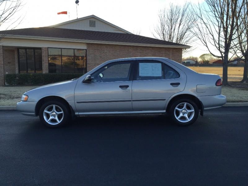 Nissan Sentra 1997 price $2,999