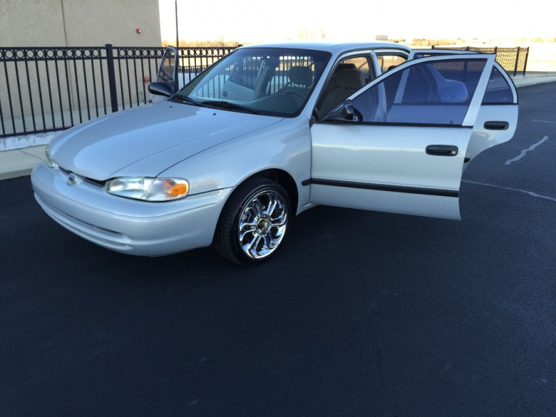 Chevrolet Prizm 2002 price $4,999