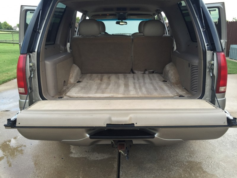 Cadillac Escalade 2000 price $4,999