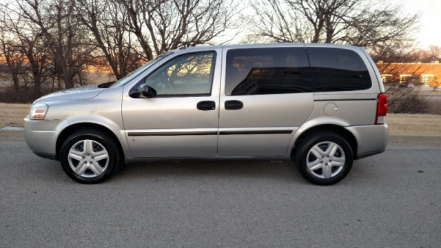 "Nissan Dealership Tulsa >> 2007 CHEVROLET UPLANDER LS MINI-VAN SILVER ""CARFAX CERTIFIED"" ""2 OWNERS"" - Auto Factory, LLC ..."
