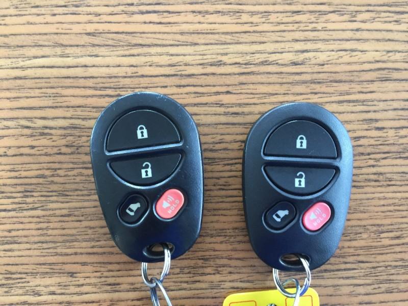 Toyota Sienna 2007 price $4,999