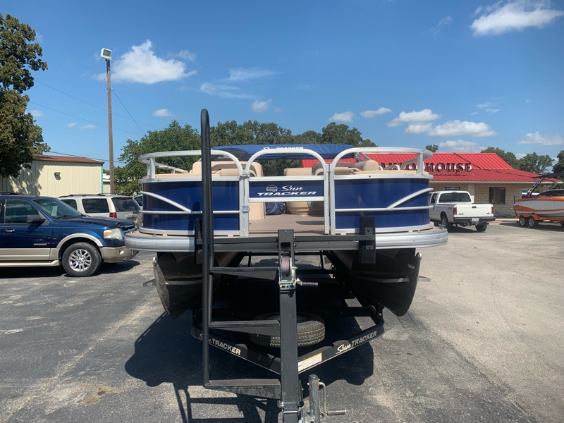 Sun Tracker 22 FISHING DELUXE 2017 price $21,999