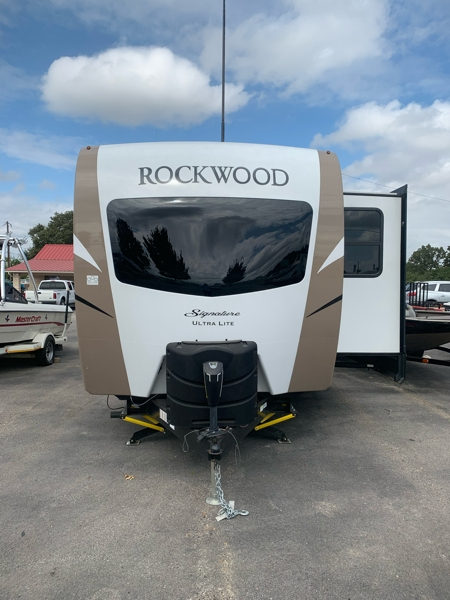 Rockwood SIGNATURE M-8335BSS 2019 price $31,500