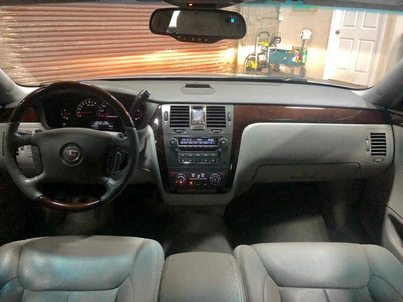 Cadillac DTS 2009 price $7,500
