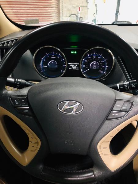 Hyundai Sonata 2012 price $11,900
