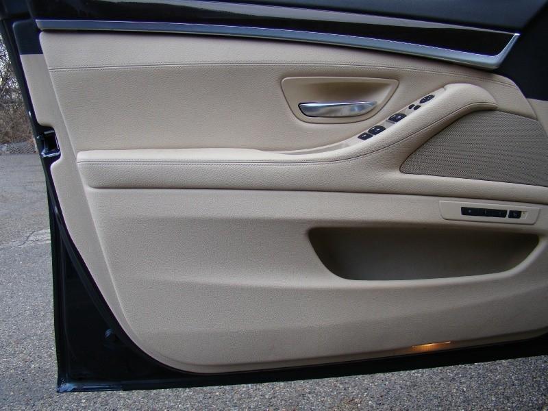 BMW 5-Series 2013 price $17,655