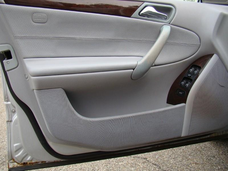 Mercedes-Benz C-Class 2004 price $4,995