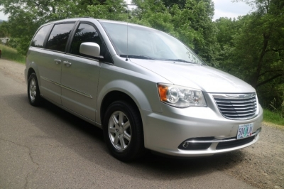 2011 Chrysler Town & Country Touring w/ Stow N Go *ONLY 94K!  22 Srvc Rcds!* CALL/TEXT!