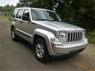 2010 Jeep Liberty Sport 4X4 *IMMACULATE w/ Low Miles!* CALL/TEXT!