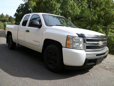 2010 Chevrolet Silverado 1500 LS Ext Cab *ONLY 110K* CALL/TEXT!