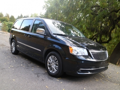 2013 Chrysler Town & Country Touring-L *Sooo NICE!* CALL/TEXT!