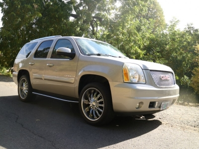2007 GMC Yukon Denali AWD *Gorgeous! 109K!* CALL/TEXT