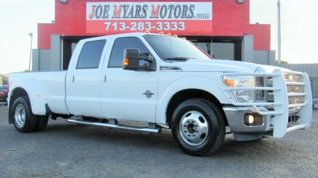 2011 Ford Super Duty F350 - Lariat - 2WD - Leather - CAM - C