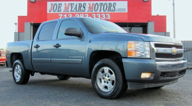 2008 Chevrolet Silverado 1500 LT Crew Cab - Loaded! 153K Miles!