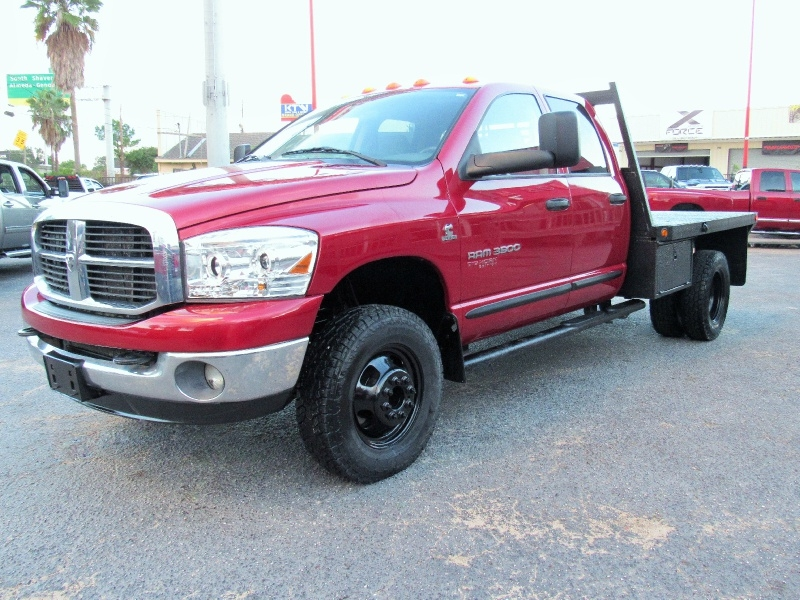 Dodge Ram 3500 SLT - 4X4 - Flat Bed - 5.9L Cummins! 2006 price $18,495