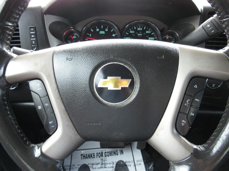 Chevrolet Silverado 3500HD - LT - 4X4 - 6.6L Duramax Diesel! 2011 price $18,995