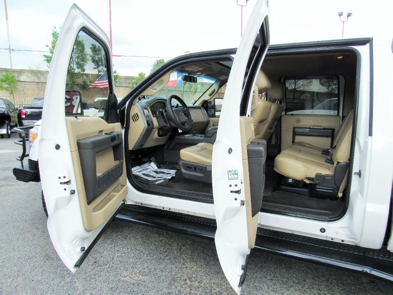 Ford Super Duty F-350 Lariat - 4X4 - 6.7L Diesel - NAV  2012 price $24,995