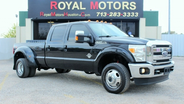 2011 Ford Super Duty F350 - Lariat - FX4 Off-Road - 4X4!