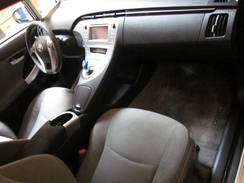 Toyota Prius 2015 price $15,950