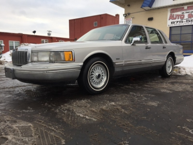 1992 Lincoln Town Car 4dr Sedan Signature Inventory Select Auto