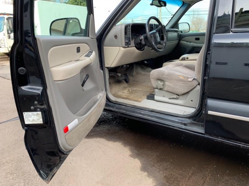 Chevrolet Suburban 2000 price $7,995