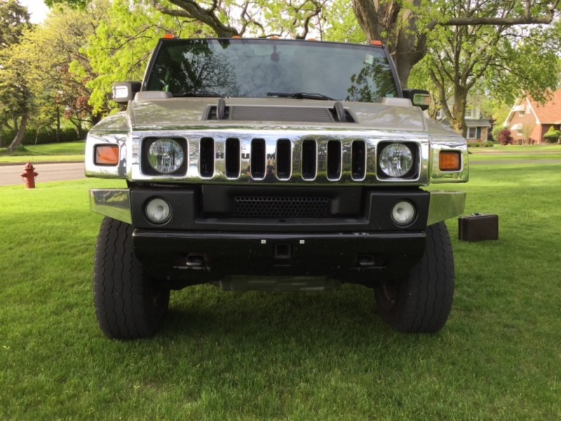 Hummer H2 2006 price $17,595