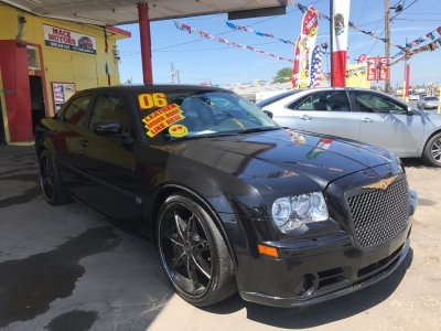 2006 Chrysler 300 4dr Sdn 300C SRT8