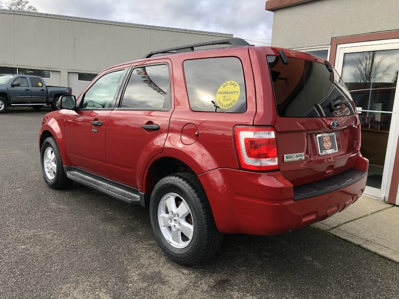 Ford Escape 2010 price $7,880
