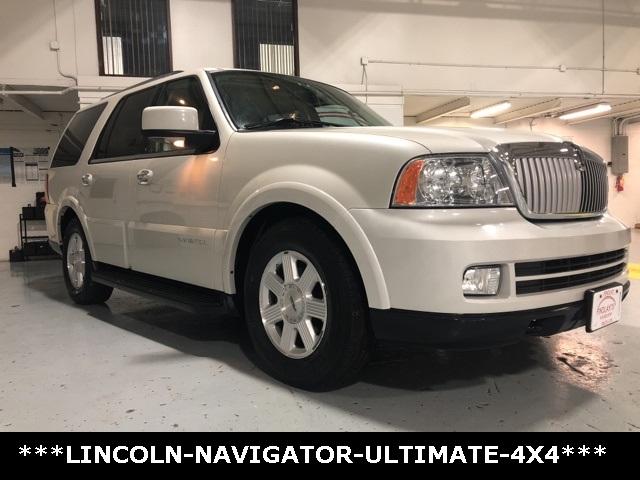 Lincoln Navigator 2005 price $6,950