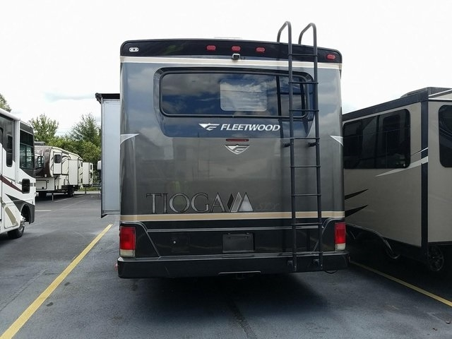 - E-450SD 2006 price $32,950