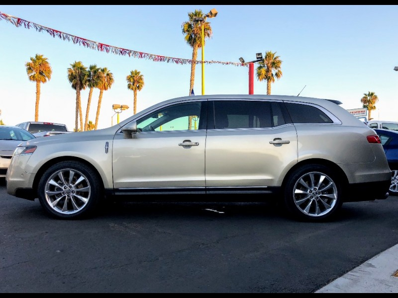 Lincoln MKT 2010 price $10,988