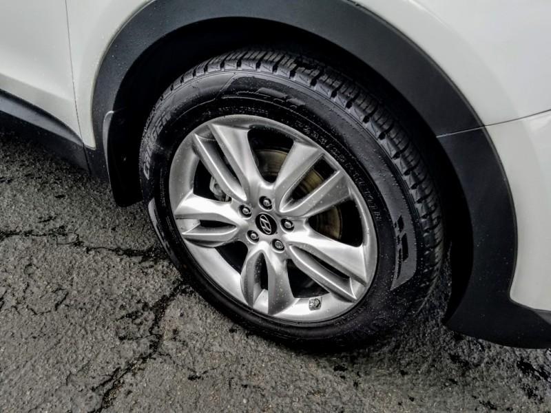 Hyundai Santa Fe 2013 price $13,988