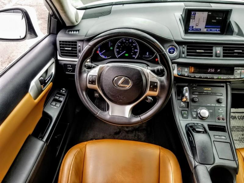 Lexus CT 200h 2013 price $12,988