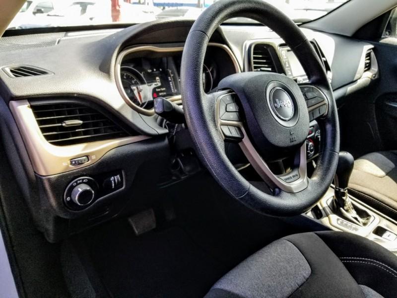 Jeep Cherokee 2015 price $15,988
