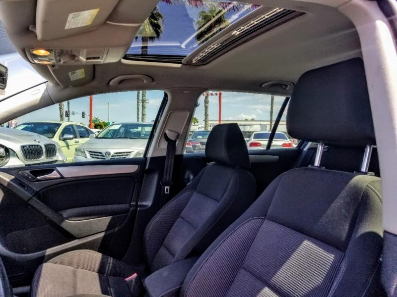 Volkswagen Golf 2011 price $8,988