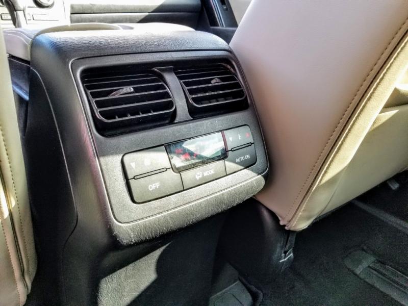 Mazda CX-9 2013 price $11,988