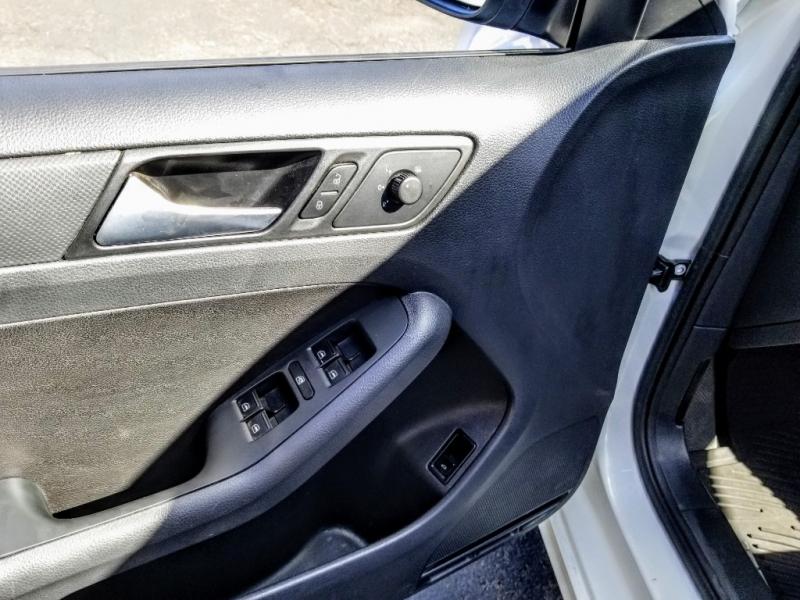 Volkswagen Jetta Sedan 2014 price $10,988