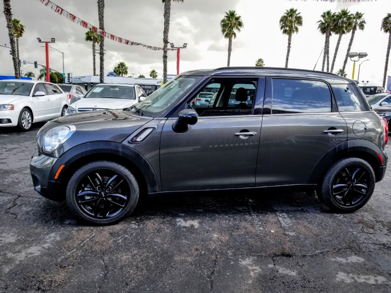 Mini Cooper Countryman 2011 price $9,488