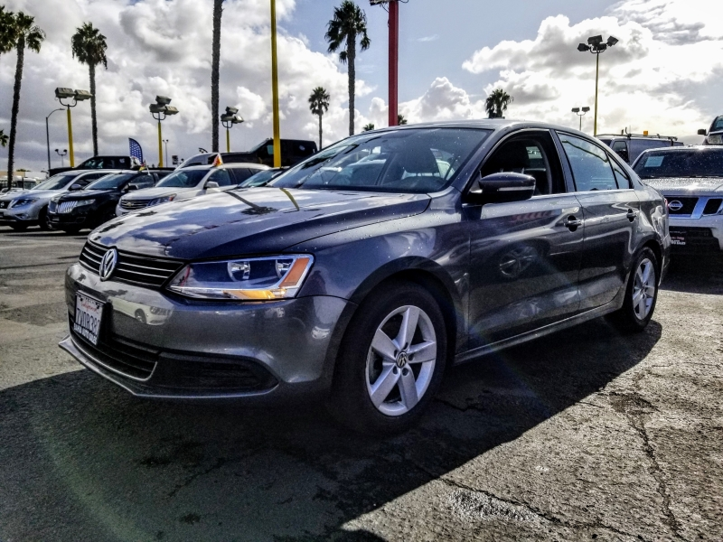Volkswagen Jetta Sedan 2014 price $10,988