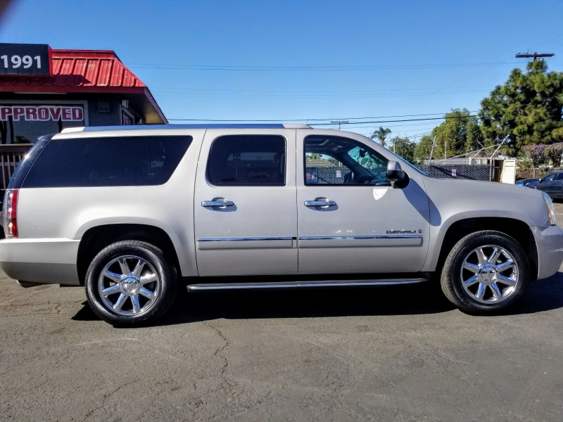 GMC Yukon XL Denali 2009 price $11,988