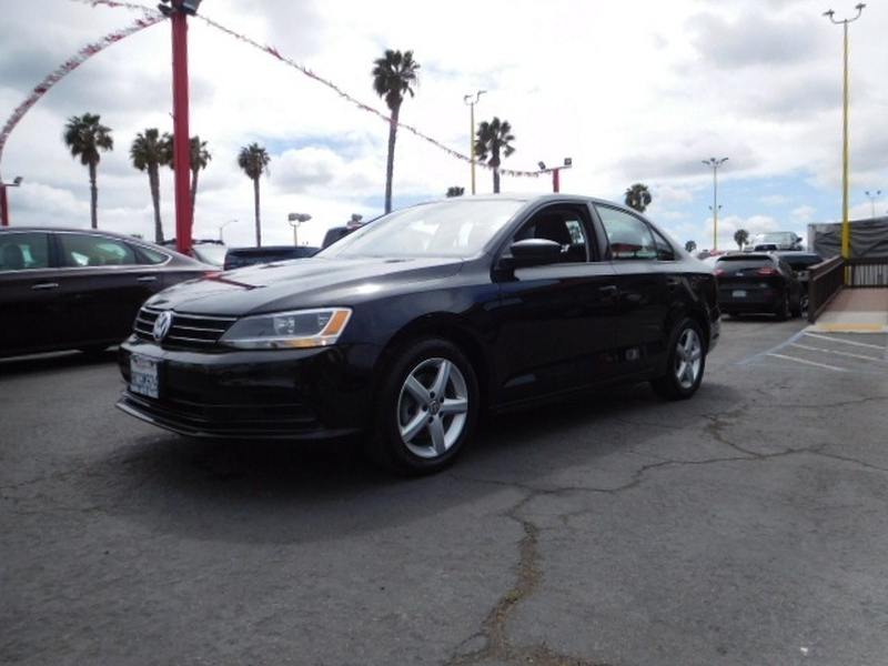 Volkswagen Jetta Sedan 2016 price $10,988