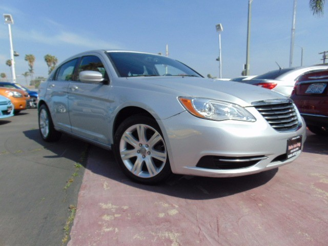 2012 Chrysler 200-Series