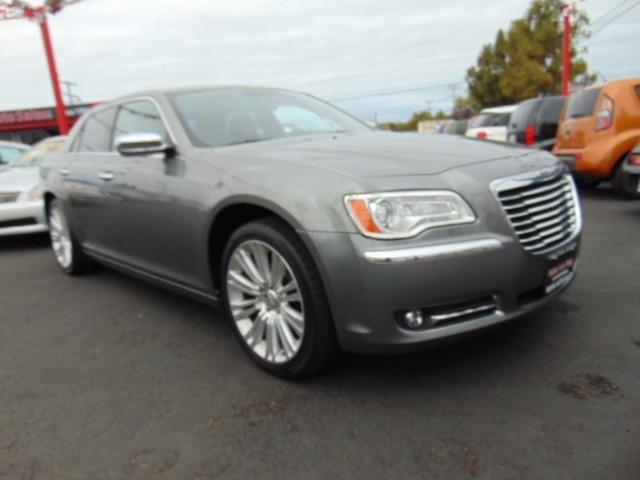 2011 Chrysler 300-Series