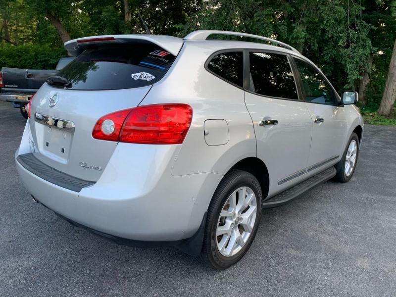 Nissan Rogue 2011 price $6,990