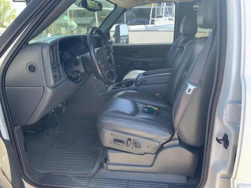 Chevrolet Silverado 2500HD 2004 price $13,490