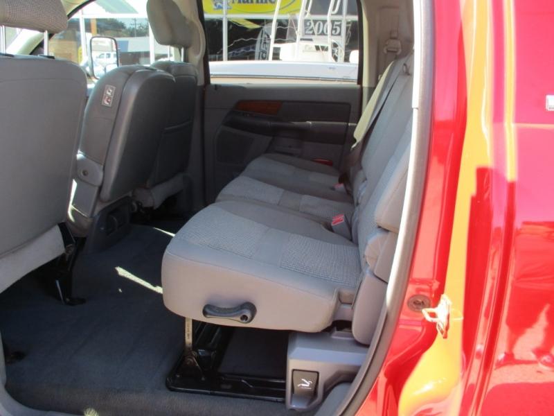 Dodge RAM 3500 MEGA CAB 6SPEED 5.9 LEVELED ON 35S 2006 price $16,990