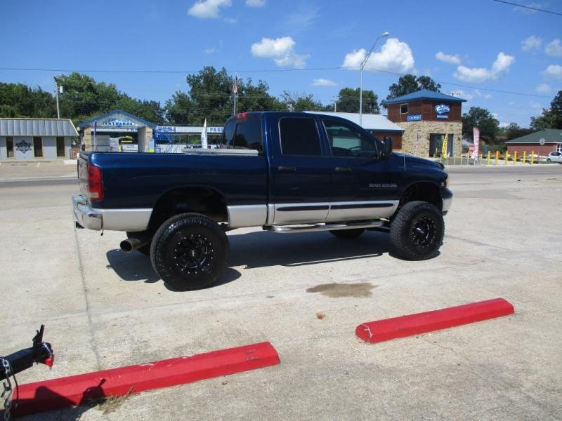 Dodge RAM 2500 5.9 LIFTED 2005 price $16,990