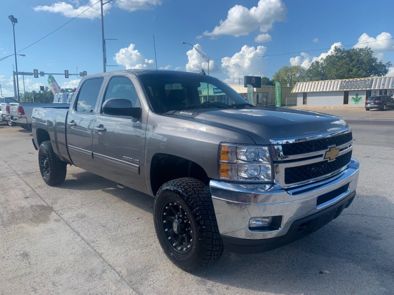 Chevrolet SILVERADO 2500HD GAS LEVELED NEW WHEELS AND TIRES 2012 price $22,490