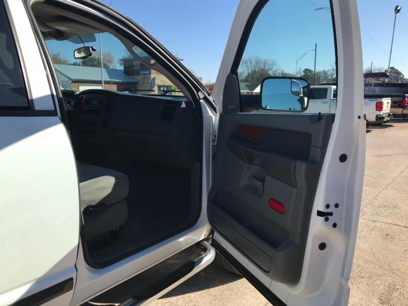 Dodge RAM 2500 MEGA CAB 5.9 2006 price $16,490