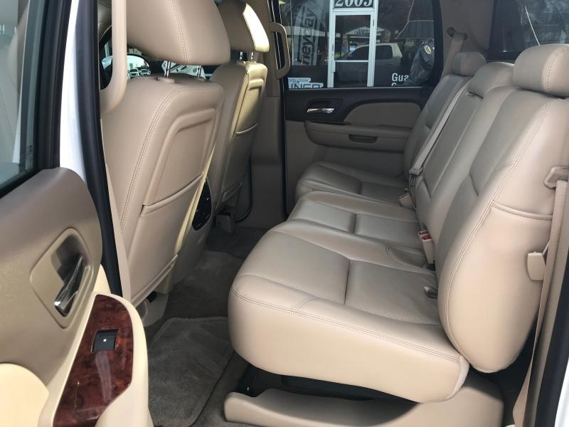 Chevrolet Avalanche 2009 price $12,990